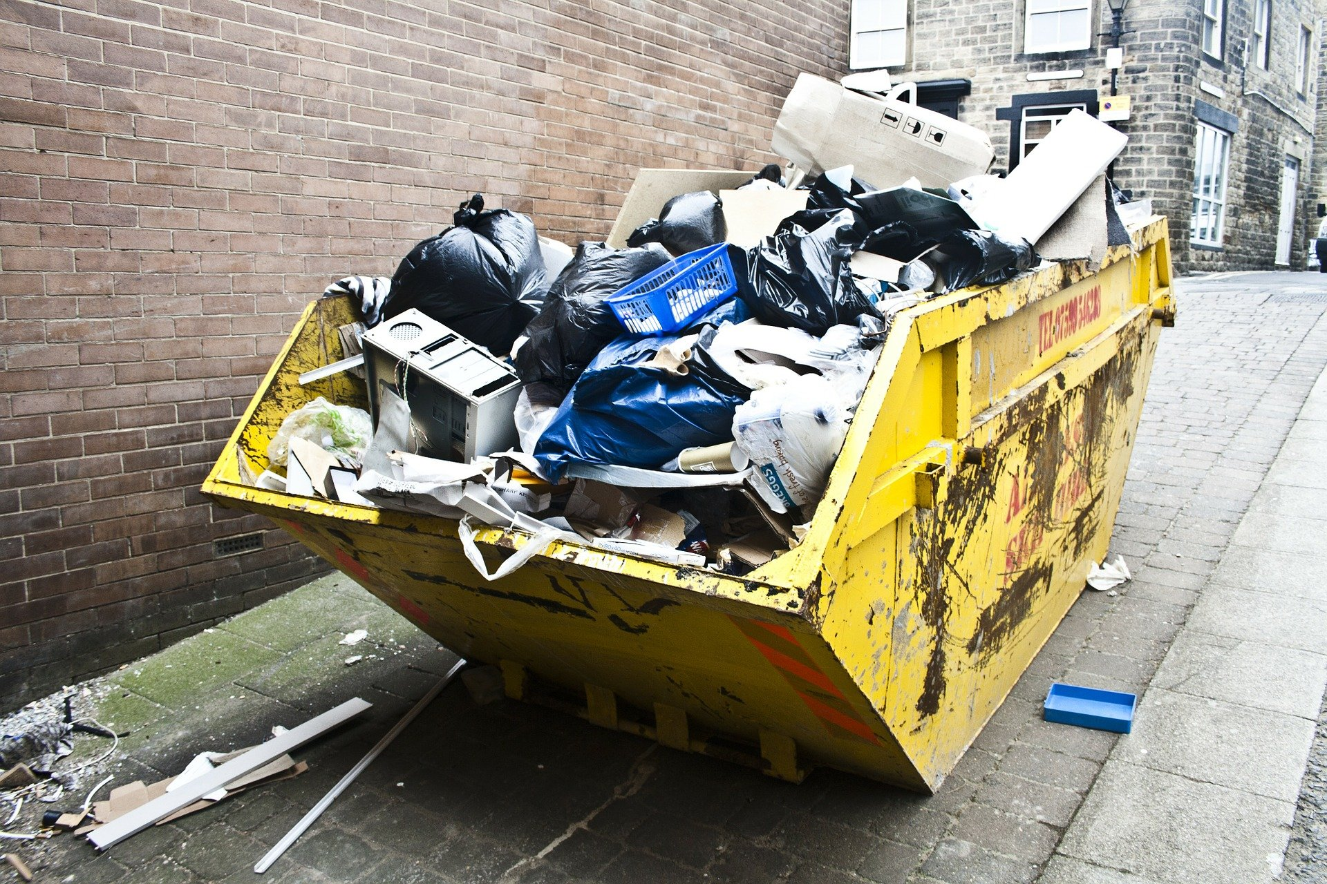 How much does it cost to hire a skip?